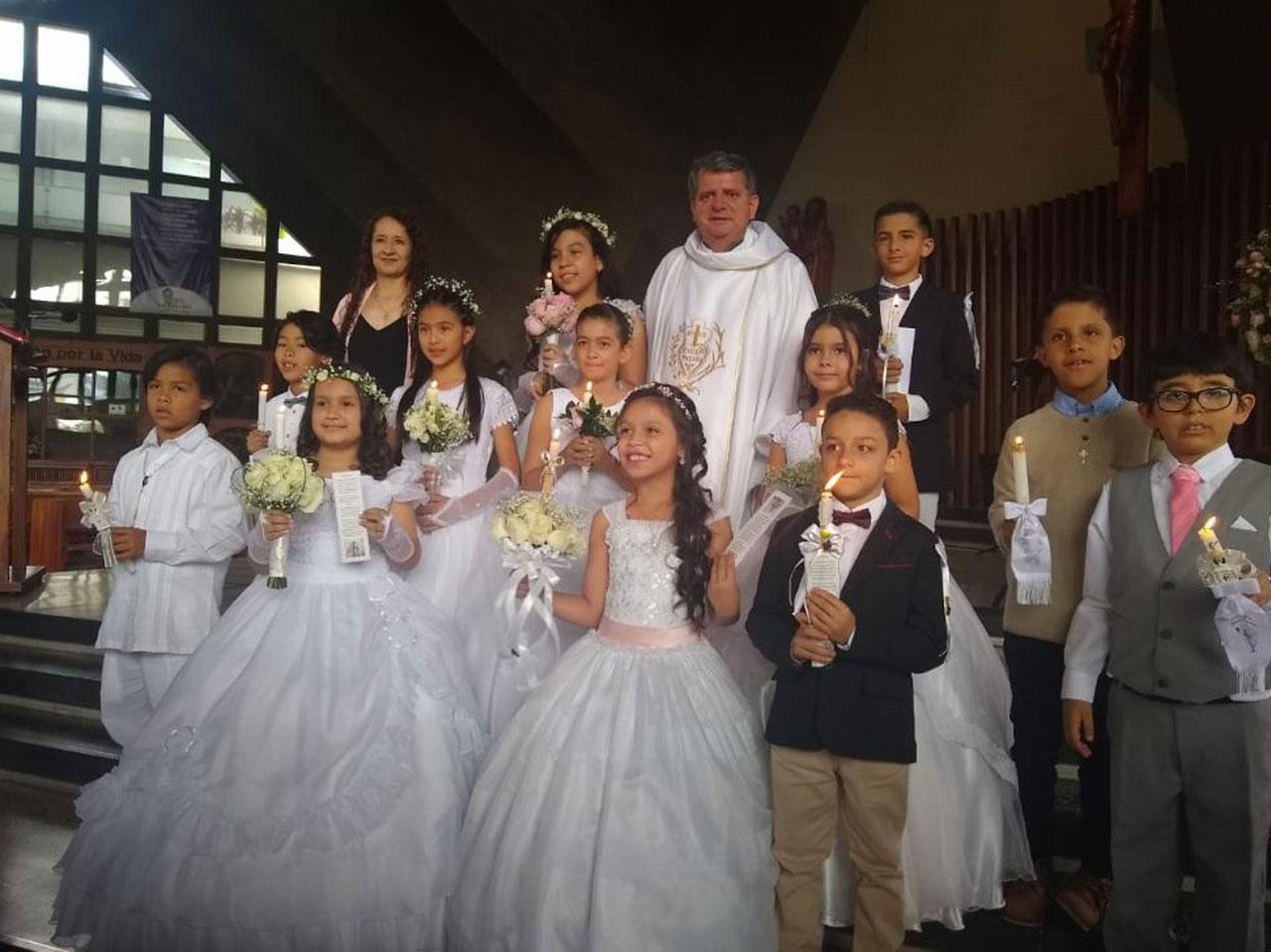 Primera Comunión Colegio Medellín